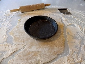 3-pie-dough-rolled-out-small