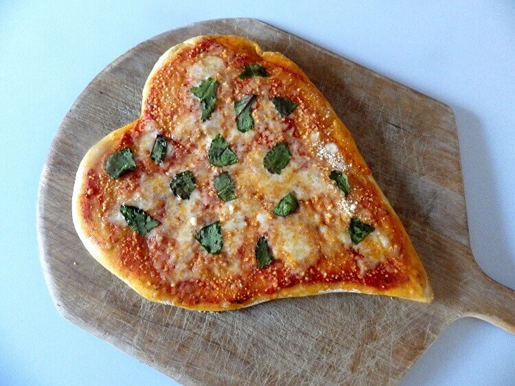 11 - heart shaped pizza