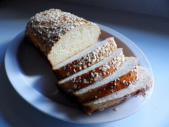 oatmeal bread sliced - small