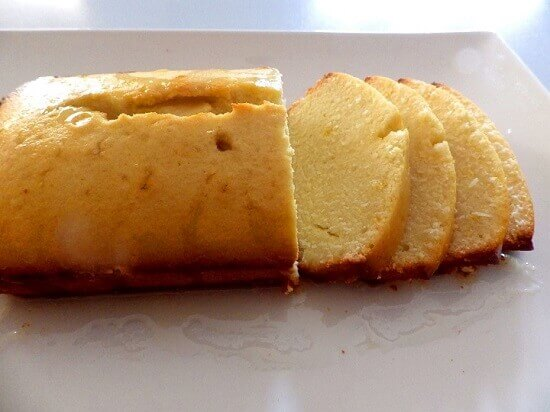 1-lemon-cake-bread-sliced