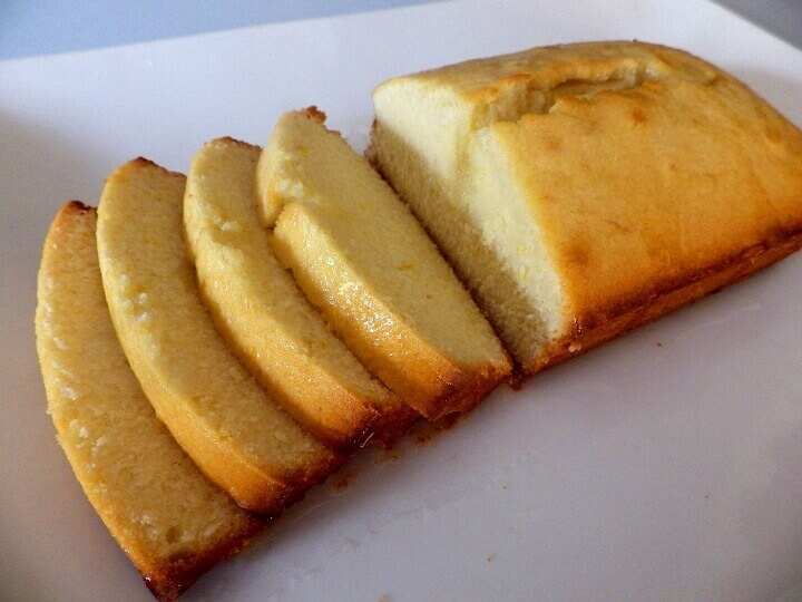 3 - Lemon cake bread - sliced